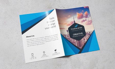 قالب آماده بروشور دو لت اداری و شرکتی با رنگبندی متنوع